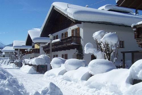 haus-im-winter-100_3577-500px